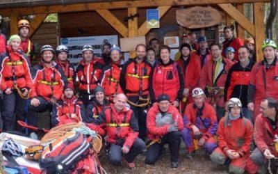 Gemeinsame Übung der Bergrettung Lackenhof und der Höhlenrettung NÖ